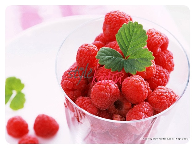Raspberry-Wallpaper-fruit-6334056-1024-768